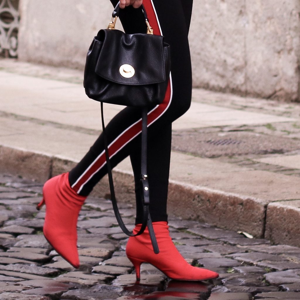 Zara Sockboots rot, coccinelle Tasche, Leggins Zara