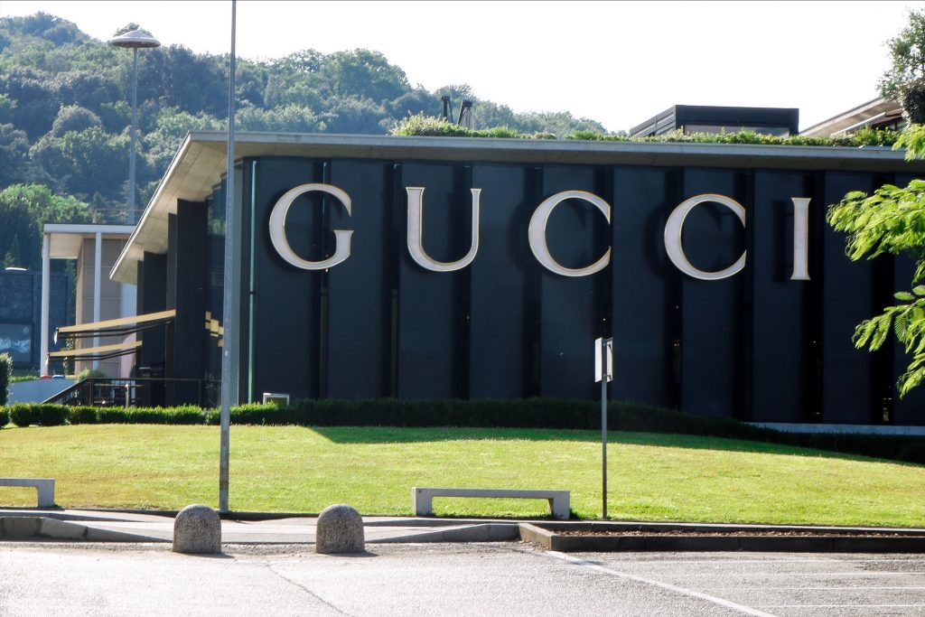 check out 3f835 a23b0 Das größte Gucci Outlet Europas - The Mall Florenz ...
